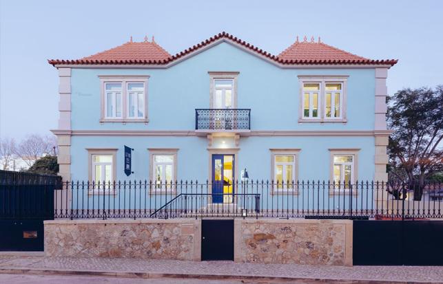 Aurora Arquitectos + Furo | Hostel in Parede